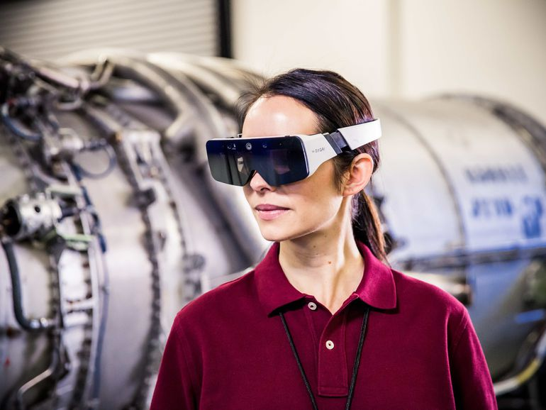 AR smart glasses in factories